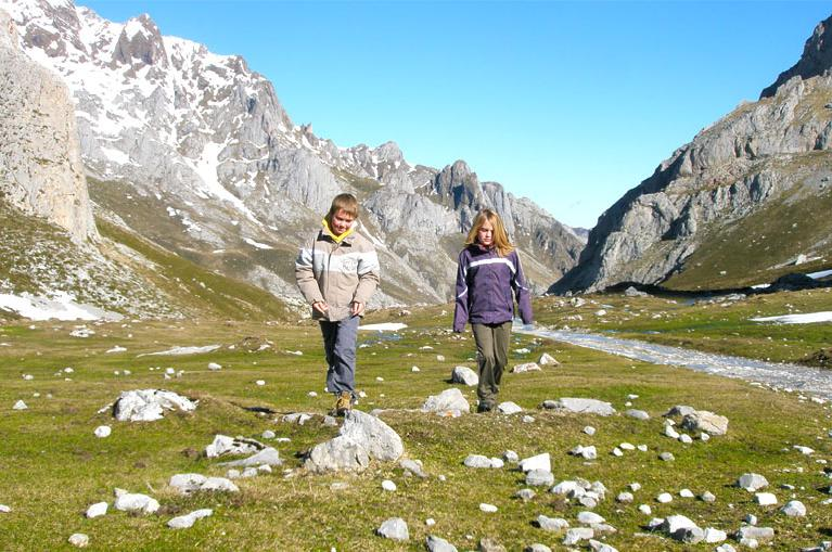 kids walking in Picos de Europa